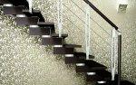 Doradzimy ci producenta pięknych drewnianych schodów