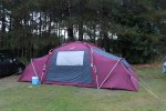 Wynajem namiotów na przyjęcia okolicznościowe i zebrania to racjonalna i korzystna cenowo opcja.