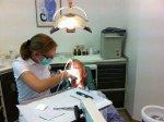 Usługi stomatologiczne: w jaki sposób umożliwić sobie skuteczne i bezpieczne leczenie?