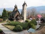 Jakiego rodzaju turystyczne atrakcje mogą zapropnować Karpacz i Szklarska Poręba, oferta noclegowa tych miejscowości