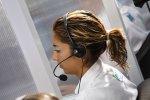 Wszystko co potrzebowałbyś wiedzieć na temat pracy w Call Center – wady, zalety, wypłata, sposób pracy