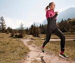 Termoaktywna odzież na zimniejsze dni do uprawiania sportu.