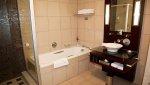 Toaleta publiczna – co musi znaleźć się w jej wnętrzu?