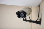 Jedną z z popularniejszych metod na ochronę siebie i własnego mienia jest monitoring wizyjny. Warto korzystać z tej opcji
